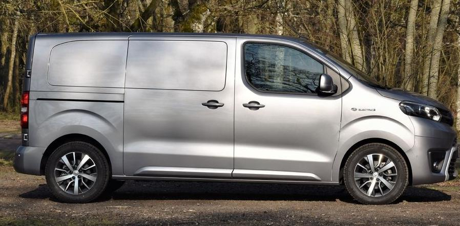 Toyota Proace Electric 2021, test drive Toyota Proace Electric, probleme Toyota Proace Electric, pret mare Toyota Proace Electric, lista preturi romania Toyota Proace Electric, grada la sol, probleme autonomie, pret toyota romania, consum kwh Toyota Proace Electric, Toyota Proace Electric este o mizerie