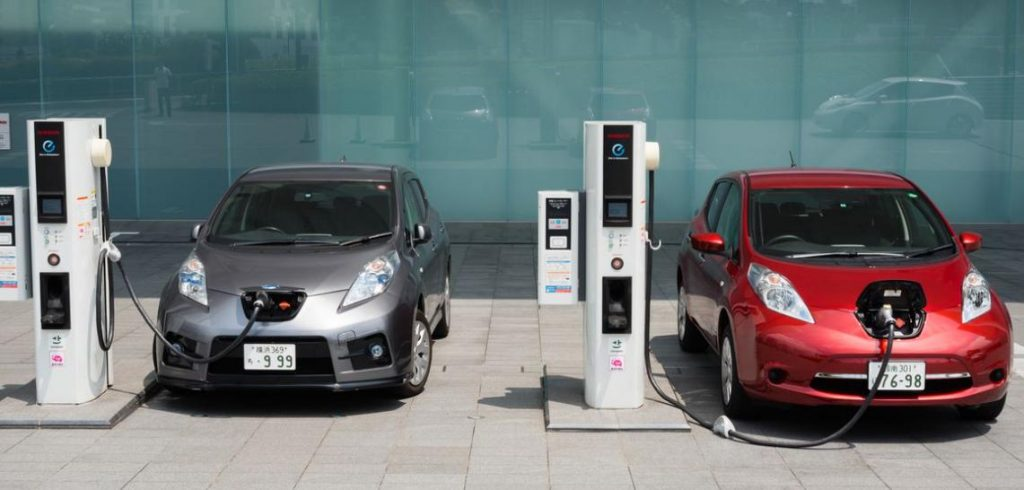 masini electrice, probleme masini ev, rechemare masini ev, pret baterie masina electrica, de la ev la benzina, soferi care renunta la maisnile electrice, probleme autonomie reala masini ev
