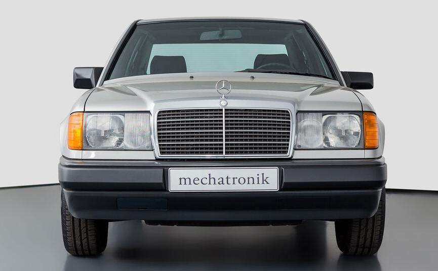 Mercedes W124 230E, de colectie Mercedes W124 230E, test drive Mercedes W124 230E, pret, review Mercedes W124 230E, autolatest