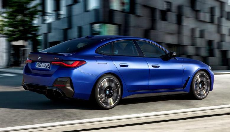La lansare, BMW i4 va fi disponibil în două variante de model, inclusiv primul automobil BMW M cu propulsie complet electrică. BMW i4 M50 este un model performant de la BMW M GmbH, care oferă plăcere foarte intensă la volan. Echipat cu motoare electrice atât pe puntea faţă, cât şi pe cea spate, cu o putere maximă combinată de 400 kW/544 CP şi tehnologie de şasiu specifică M, promite performanţe captivante în timp ce atinge o autonomie de până la 510 kilometri în ciclul de testare WLTP. Preţul noului BMW i4 M50 este de 65989 Euro cu TVA inclus (fără a lua în calcul programul Rabla Plus). La BMW i4 eDrive40, un motor electric de 250 kW/340 CP este combinat cu tracţiunea spate clasică pentru a permite condus fără emisii locale, cu o doză impresionantă de instinct sportiv. Are o autonomie calculată de WLTP de până la 590 de kilometri. Preţul noului model este de 52955 Euro cu TVA inclus (fără a lua în calcul programul Rabla Plus).