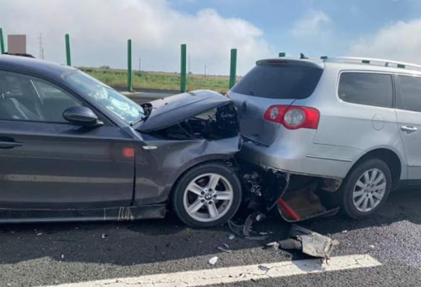 accident carambol autostrada a2, prostie soferi ceata a2, romanii nu stiu sa mearga pe ceata, accident carambol autostrada, soferi prosti autostrazi