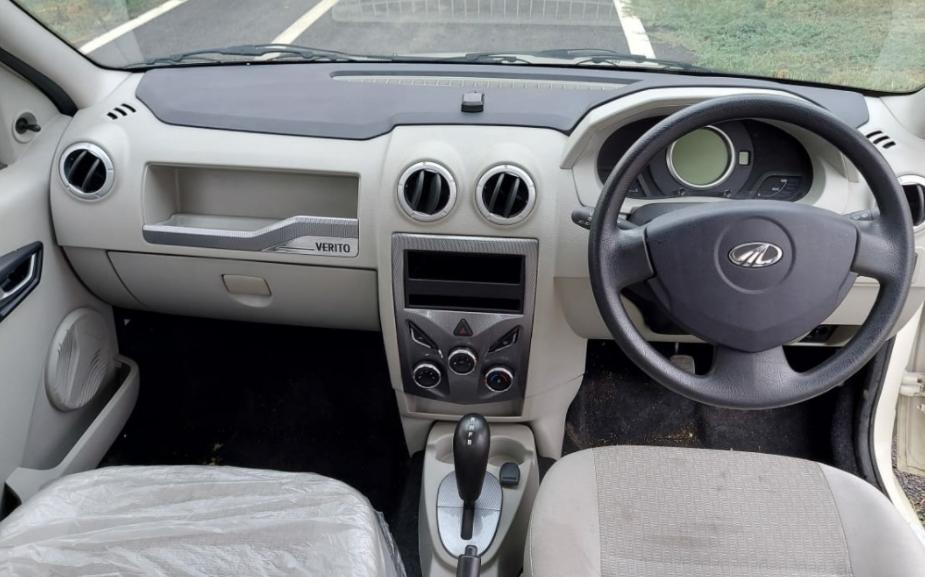 Mahindra e-Verito Logan I EV 2021, logan electric din 2016, dacia nu vrea sa produca masini electrice, pret Mahindra e-Verito Logan I EV, detalii tehnice Mahindra e-Verito Logan I EV, motor acumulator Mahindra e-Verito Logan I EV